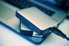 Discos duros portátiles Imagenes de archivo
