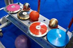 Discos, lanzas y corazones Imagen de archivo