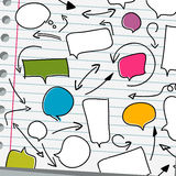 Discours et flèches de bulle sur le blanc Image libre de droits