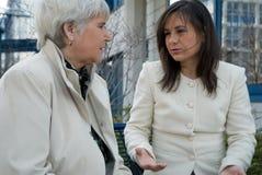 Discusión de las mujeres Imagen de archivo