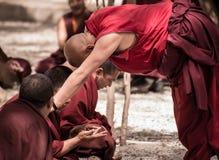 Discusión de los monjes Imagen de archivo libre de regalías