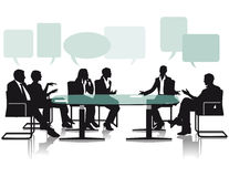 Discusión y discusión en oficina Imagen de archivo libre de regalías