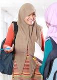 Discussion d'étudiant d'enfant de musulmans Images libres de droits
