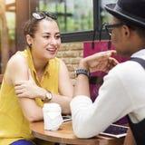 Discussion de communication de café d'amitié de personnes parlant Concep Photographie stock libre de droits