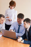 Discussion in the office Royalty Free Stock Photos
