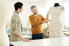 Discussione del vestito nuovo immagine stock libera da diritti