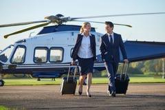 Discussione di And Businessman In della donna di affari come si allontanano il franco Immagine Stock Libera da Diritti