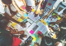 Discussione di preparazione della classe di 'brainstorming' che impara concetto Fotografia Stock