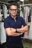 Diseñador Naeem Khan que presenta entre bastidores antes de la demostración de la pista de la colección de Naeem Khan Bridal 2018 Fotos de archivo libres de regalías