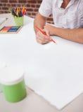 Diseñador que dibuja la manera pasada de moda Foto de archivo libre de regalías