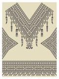 Diseñe el escote, las mangas y la frontera en estilo étnico Imagenes de archivo