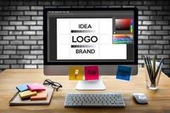 diseñe el gráfico creativo l del bosquejo del diseñador de la marca del trabajo de la creatividad foto de archivo