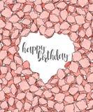 Diseñe la postal con los pétalos de rosas y el estilo del bosquejo de la enhorabuena de la caligrafía Imágenes de archivo libres de regalías