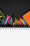 Diseño blanco del copyspace de las herramientas creativas imagen de archivo