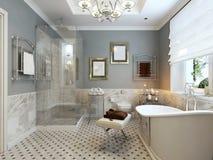 Diseño clásico del cuarto de baño brillante Imágenes de archivo libres de regalías