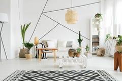Diseño contemporáneo de salón Imagen de archivo libre de regalías