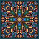 Diseño cuadrado de seda del modelo de la bufanda o del pañuelo de cuello Imagen de archivo