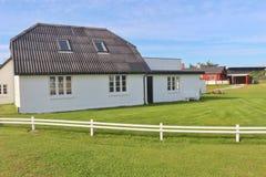 Diseño danés: Cerca blanca en Dinamarca, Europa imagenes de archivo