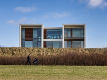 Diseño danés del residense moderno en Esbjerg, Dinamarca foto de archivo libre de regalías