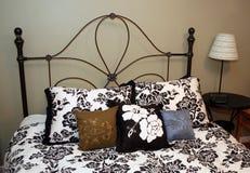 Diseño de la cama Fotos de archivo libres de regalías