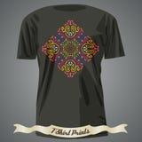 Diseño de la camiseta con el modelo exótico colorido abstracto Imagen de archivo libre de regalías