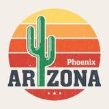 Diseño de la camiseta de Arizona, impresión, tipografía, etiqueta con el saguaro Foto de archivo libre de regalías