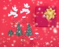 Diseño de la decoración en día de fiesta de la Navidad fotografía de archivo