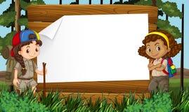 Diseño de la frontera con el camping de dos muchachas Foto de archivo