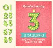 Diseño de la invitación de la tarjeta de cumpleaños con el sistema de números retros encendidos Imagen de archivo libre de regalías