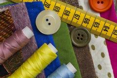 Diseño de la moda - artículos de costura Fotos de archivo libres de regalías