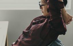 Diseño de la moda que descansa estirando concepto imagen de archivo libre de regalías