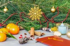 Diseño de la Navidad Fondo de la Navidad con las ramas de Christma Fotos de archivo libres de regalías
