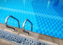 Diseño de la piscina del centro turístico Foto de archivo libre de regalías