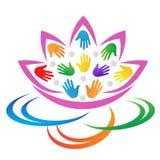 Diseño de las manos del loto de la flor del extracto del logotipo del cuidado Imagenes de archivo