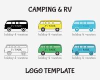 Diseño de Logo Vintage Labels del viaje de la actividad al aire libre stock de ilustración