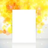 Diseño de página blanco con el lugar para su texto, contexto amarillo. Imagen de archivo