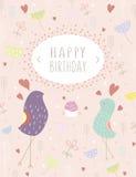 Diseño de tarjeta del feliz cumpleaños con los pájaros y los corazones Ilustración Fotografía de archivo libre de regalías
