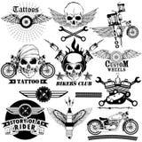Diseño del arte del tatuaje de colección del jinete de la bici del cráneo stock de ilustración