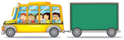 Diseño del capítulo con los niños en el autobús libre illustration