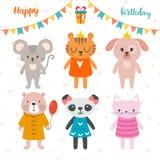 Diseño del feliz cumpleaños con los animales lindos de la historieta Postal divertida Imagen de archivo libre de regalías