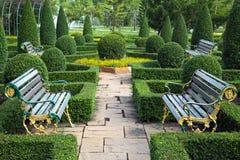 Diseño del jardín con la mezcla de piedra Foto de archivo libre de regalías