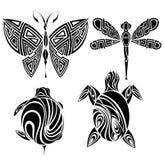 Diseño del tatuaje. Mariposa, tortuga, libélula ilustración del vector