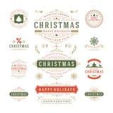 Diseño del vector de las etiquetas y de las insignias de la Navidad ilustración del vector
