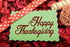 Diseño feliz de la acción de gracias en tarjeta con la cinta de la decoración Fotografía de archivo libre de regalías