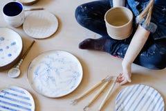 Diseño hecho a mano astuto de la loza del instrumento de la cerámica fotos de archivo