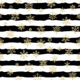 Diseño inconsútil del modelo Copos de nieve que brillan del oro en fondo rayado blanco y negro EPS 10 stock de ilustración