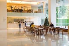 Diseño interior de café del café en museo de MOCA el 10 de enero de 2016 Imágenes de archivo libres de regalías