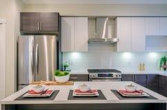 Diseño interior de la cocina moderna Fotos de archivo libres de regalías