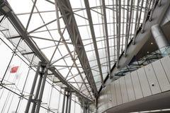 Diseño interior de la estructura de edificio fotos de archivo