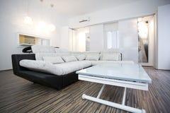 Diseño interior de la sala de estar imagenes de archivo